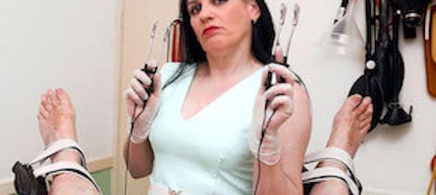 Guide de l'électrostimulation des seins et du sexe