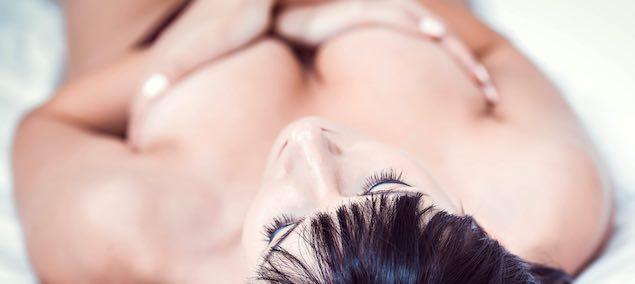 Electrostimulation des seins pour femme